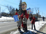 OPSEU members attend rally in Pembroke with Kathleen Wynne puppet